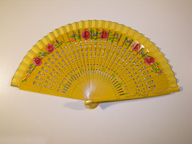 Wood and silk fan (yellow)
