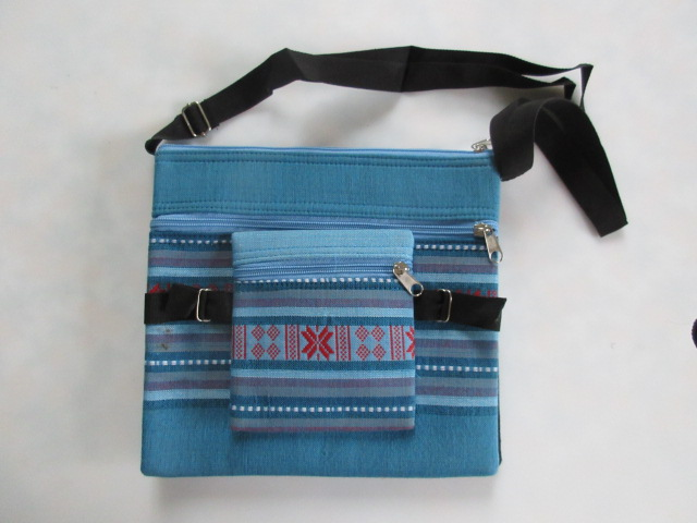 Madras-style shoulder  bag (large size)