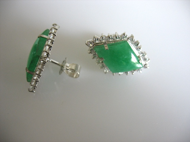 Jade earrings (model 1)